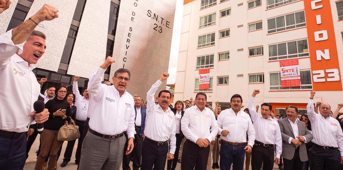 Los maestros son parte de la transformación de México