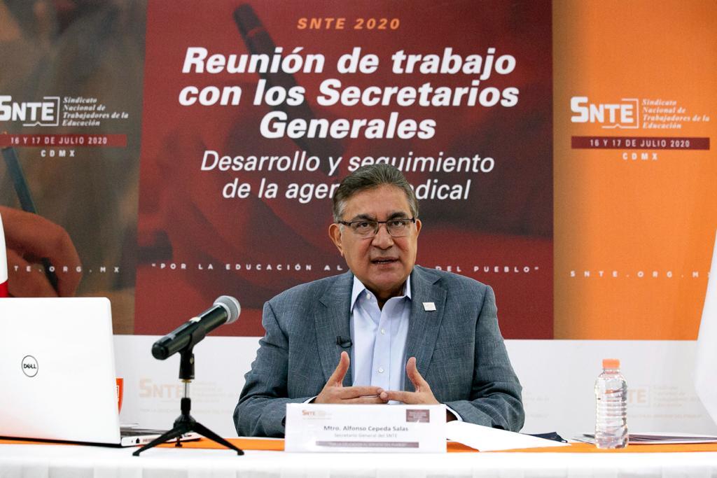 Dirigentes del SNTE dialogan sobre reapertura de escuelas