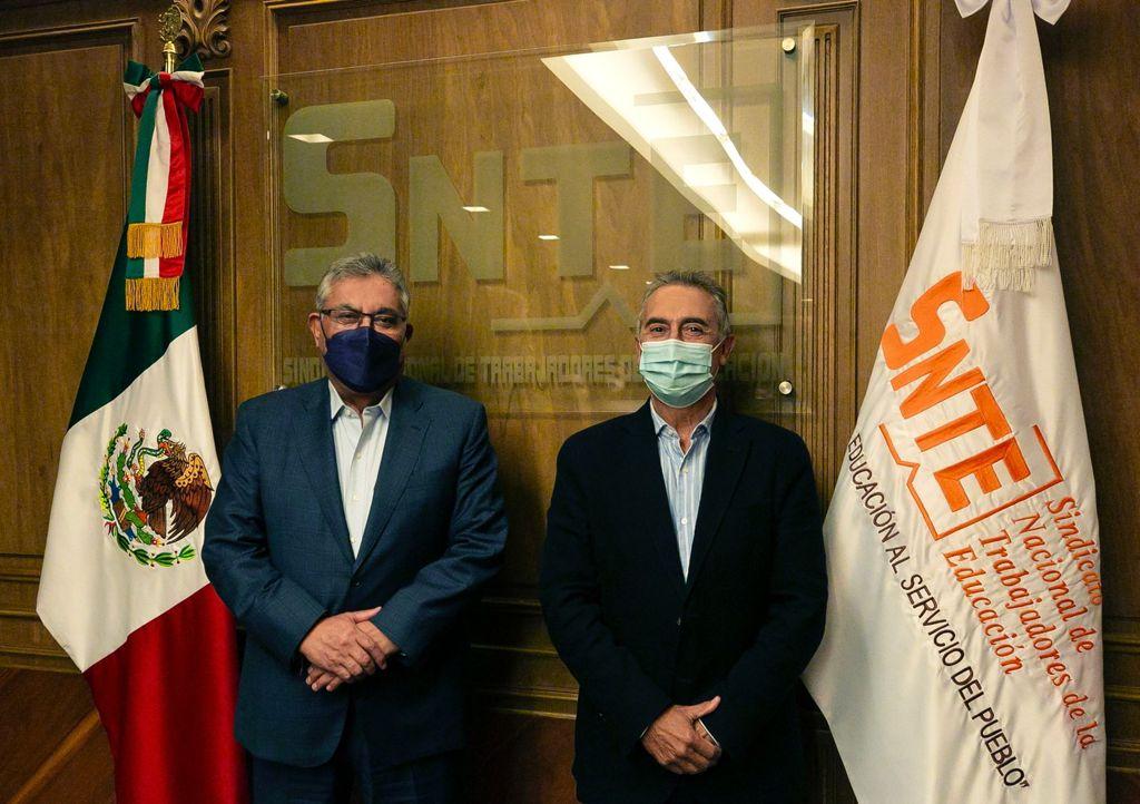 Dialogan líderes del SNTE con experto internacional  sobre educación durante la pandemia