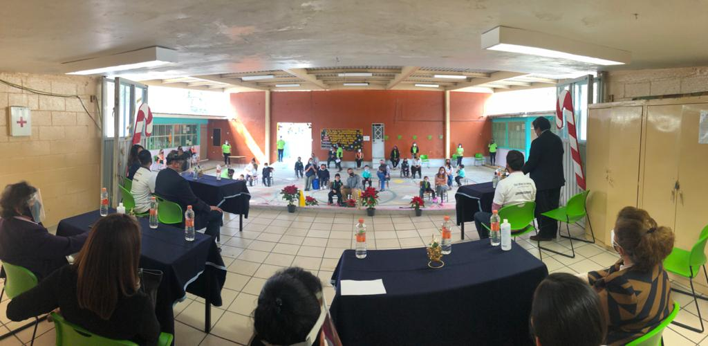 Reciben donación alumnas y alumnos de nivel preescolar