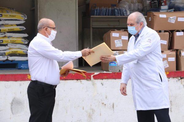 Sección 21 del SNTE participa en la entrega simultánea de materiales e insumos médicos al ISSSTE00005