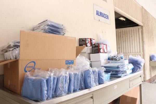 Sección 21 del SNTE participa en la entrega simultánea de materiales e insumos médicos al ISSSTE00013