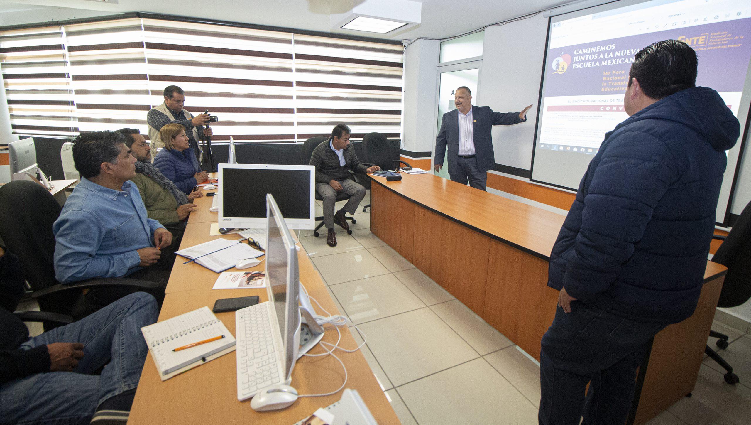 Alejo Rivera Ávila encabeza reunión con laborales sobre el 1er Foro Nacional para la Transformación Educativa