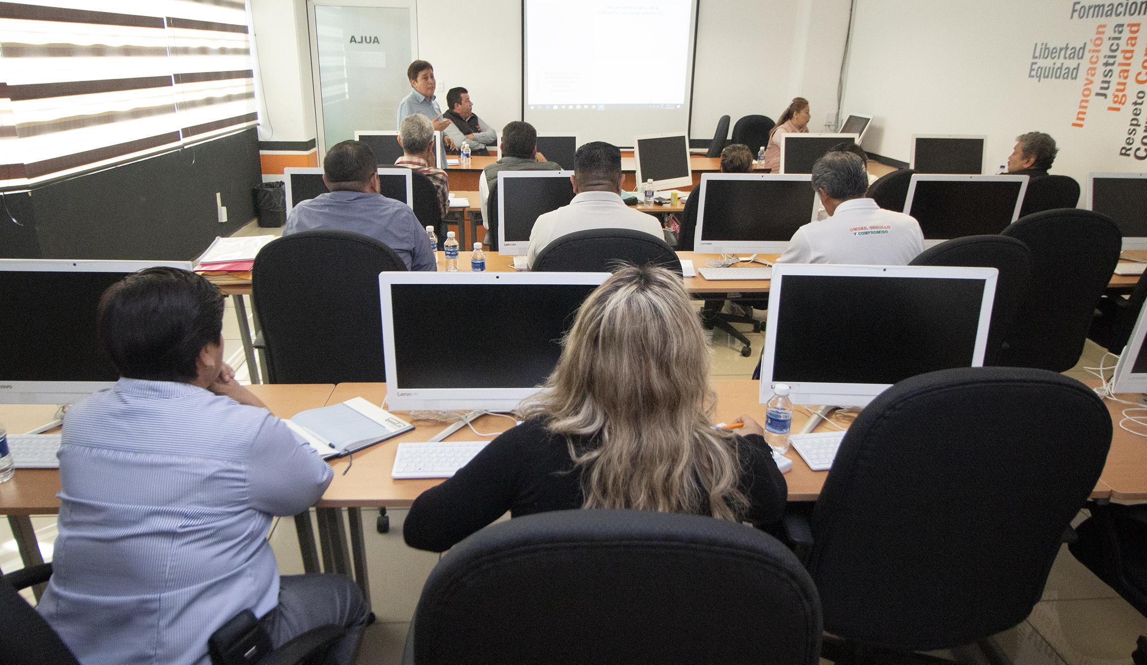 Sección 26 revisa Programa de Otorgamiento de Créditos Personales de ISSSTE 2020 e incidencias en Becas ciclo 2019-2020.