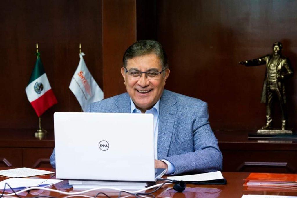 Ningún maestro del SNTE ha sido despedido, pese a la crisis, destaca Alfonso Cepeda, ante sindicalistas del mundo