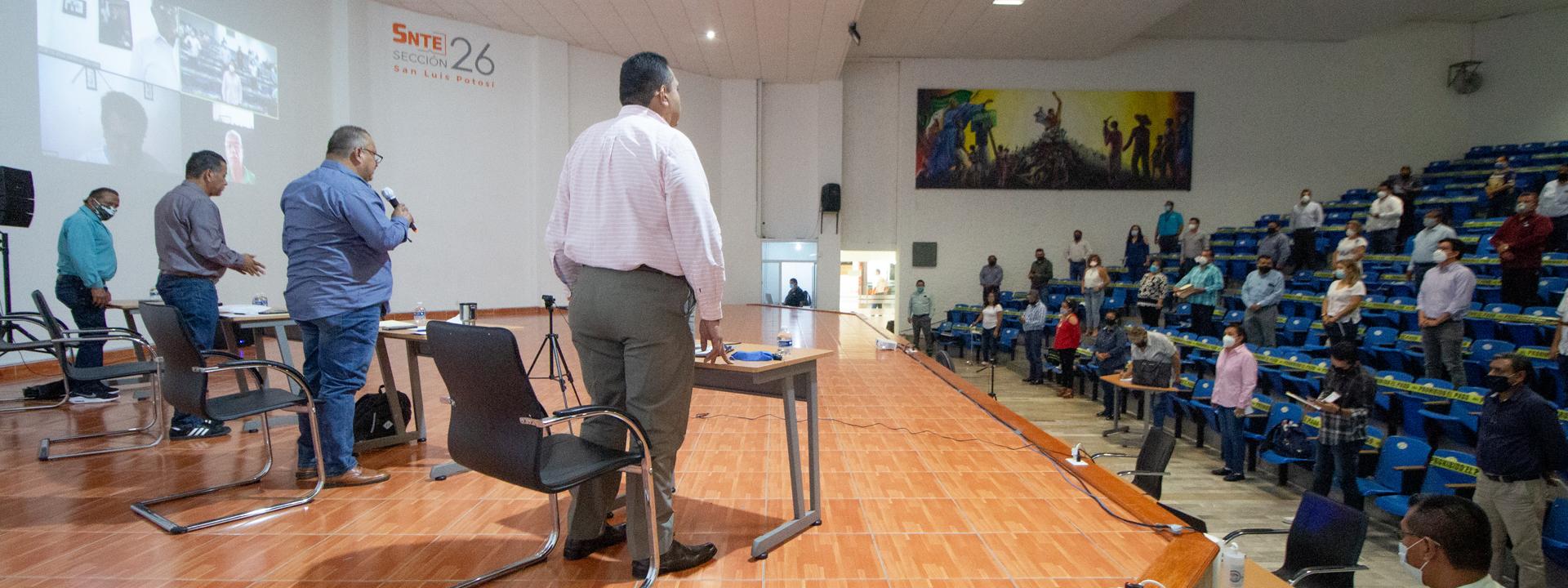 Con las debidas medidas de sana distancia, se llevó a cabo reunión de Comité
