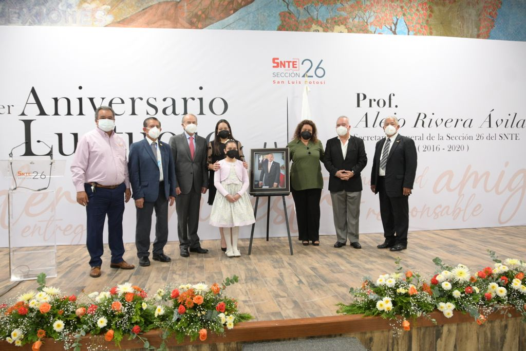 Sección 26 del SNTE rinde homenaje en 1er aniversario luctuoso al Prof. Alejo Rivera Ávila