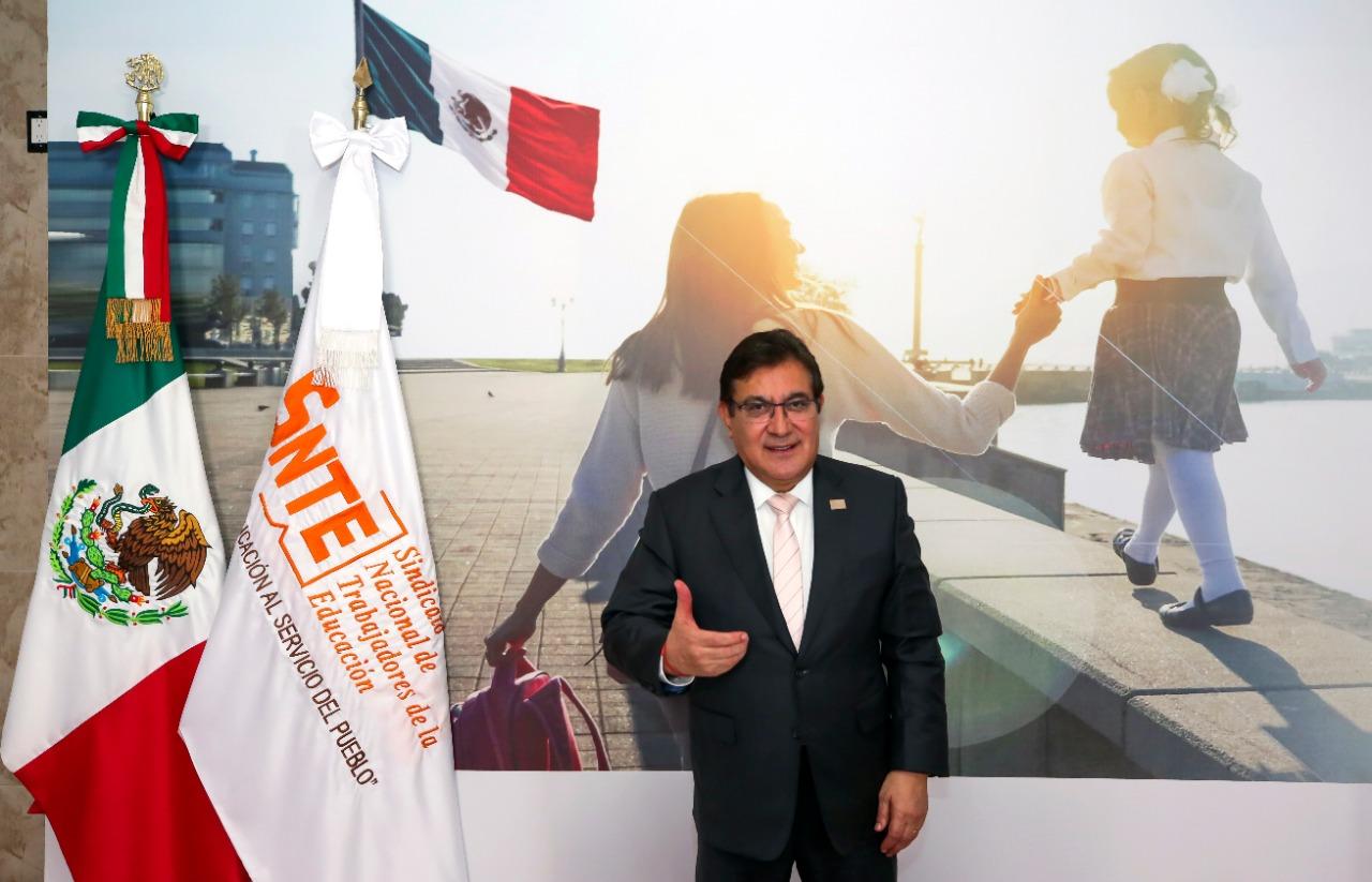 Columna: El liderazgo del maestro Alfonso Cepeda Salas. Objetivo propuesto: dirigir al SNTE para volver al origen con visión de futuro